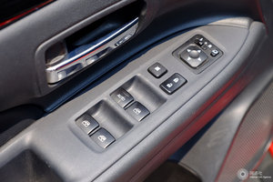 三菱�Ƨ蓝德 左前车窗控制