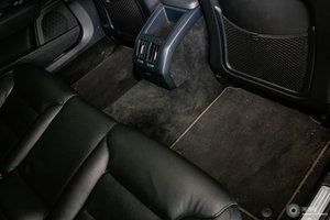 沃尔沃S90长轴版 后排空间