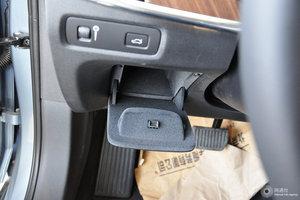 沃尔沃S90 驾驶席左侧下方储物格