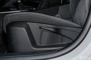 观致3 GT 主驾座椅调节