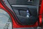 KX7 车内储物能力