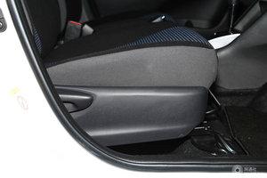 威驰 FS 副驾座椅调节