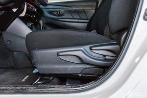 丰田威驰FS 主驾座椅调节