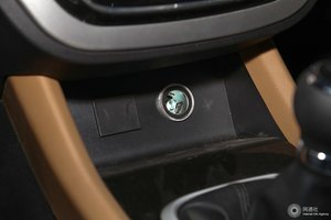 F50 车内电源接口(点烟器)