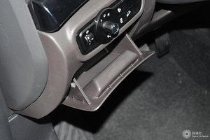 三菱祺智PHEV 驾驶席左侧下方储物格