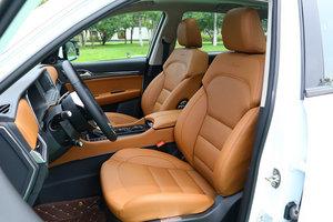 众泰T600 Coupe 空间
