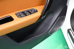 众泰T600 Coupe 左前车门储物空间