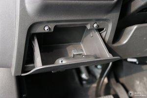 别克GL6 驾驶席左侧下方储物格