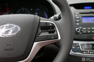 现代伊兰特EV 多功能方向盘键右侧
