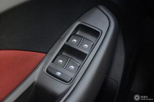荣威RX3 左前车窗控制