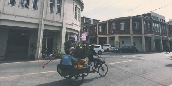 手机拍摄的厦门老城区沙坡尾街道