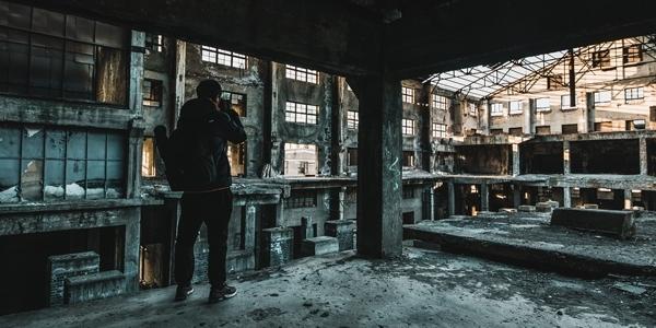 揭秘|切尔诺贝利般寂静的南口玻璃厂