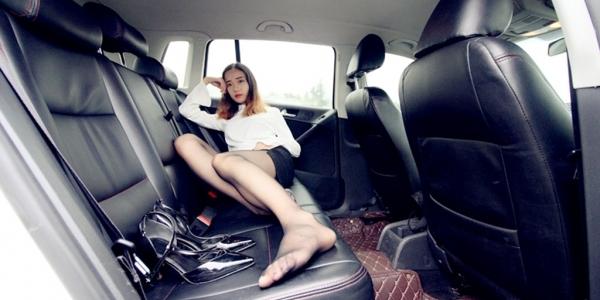 看我贤妻良母型的媳妇如何驾驭高跟鞋和黑丝