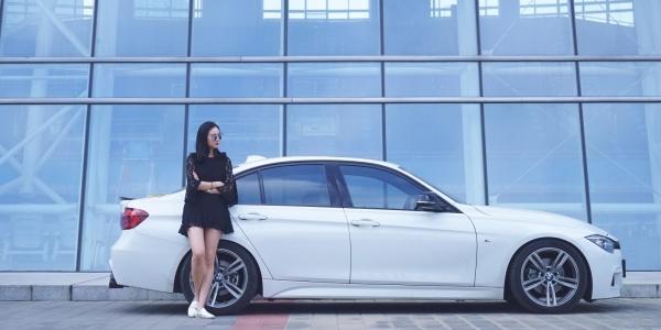 我带着她,开着我的Dream Car来组性感大片