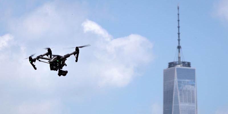 """每日新闻:毫无隐私?纽约警察局成立""""战术行动""""无人机编队"""