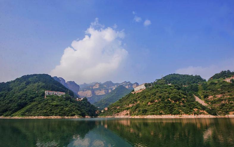 旅游风景区和避暑胜地京娘湖