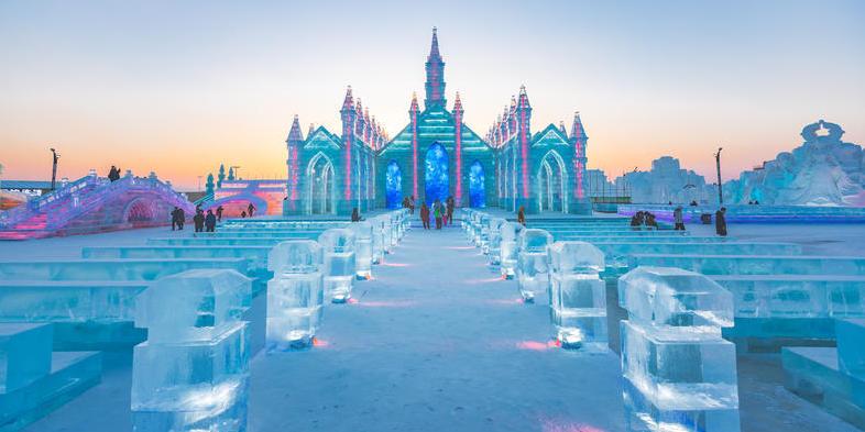 沉迷在哈市这个建筑艺术博物馆 冰之王国冰雪大世界