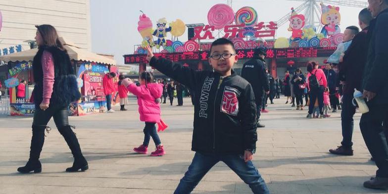 今年春节带儿子欢乐谷里过大年