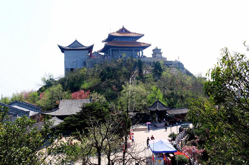 """被誉为""""西陵最胜,盖三 楚之奇观""""荆楚名岳木兰山风景区"""