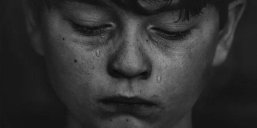 17岁男孩跳桥:为什么得到父母的理解这么难?