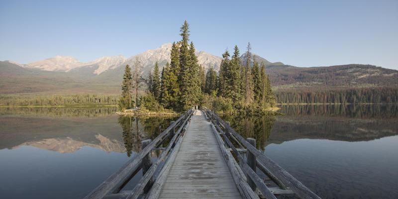 加拿大冰原大道 穿越崎岖的落基山脉