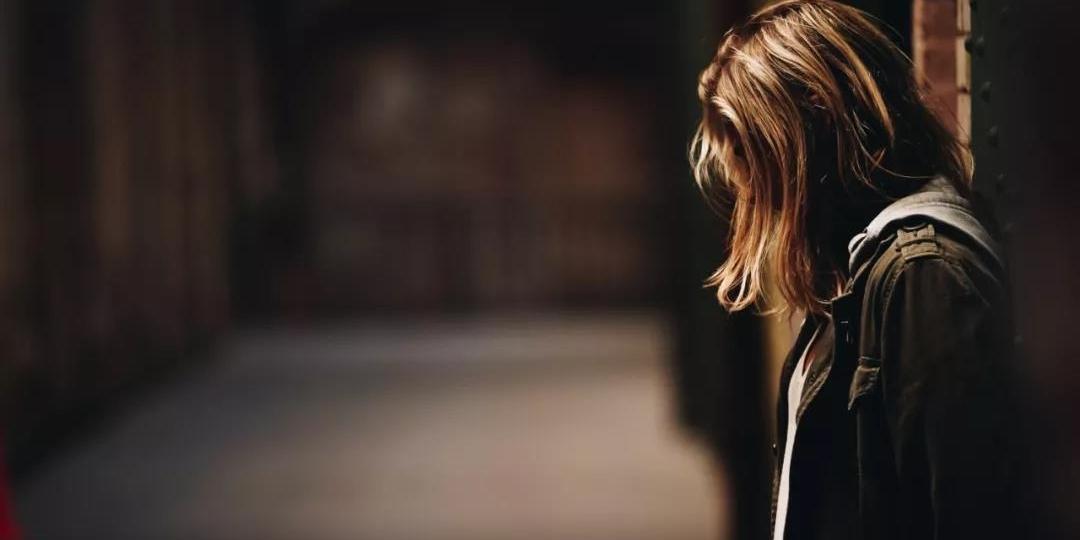 初一女生遭遇校园霸凌,这一次,施暴者是老师
