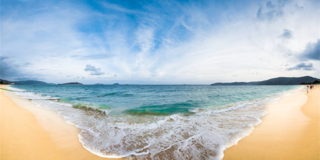 不用去国外了,三亚就有你想看的大海