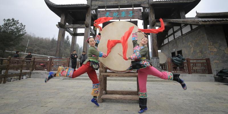 重庆仙女山镇明星村藏匿着一个绝美古寨——天坑寨子