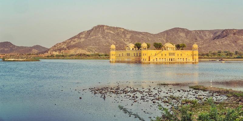 去印度看他们的人文地理 一个神秘而带有色彩的国度