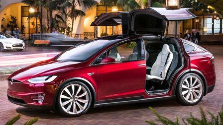 特斯拉Model X鸥翼门开启极限测试