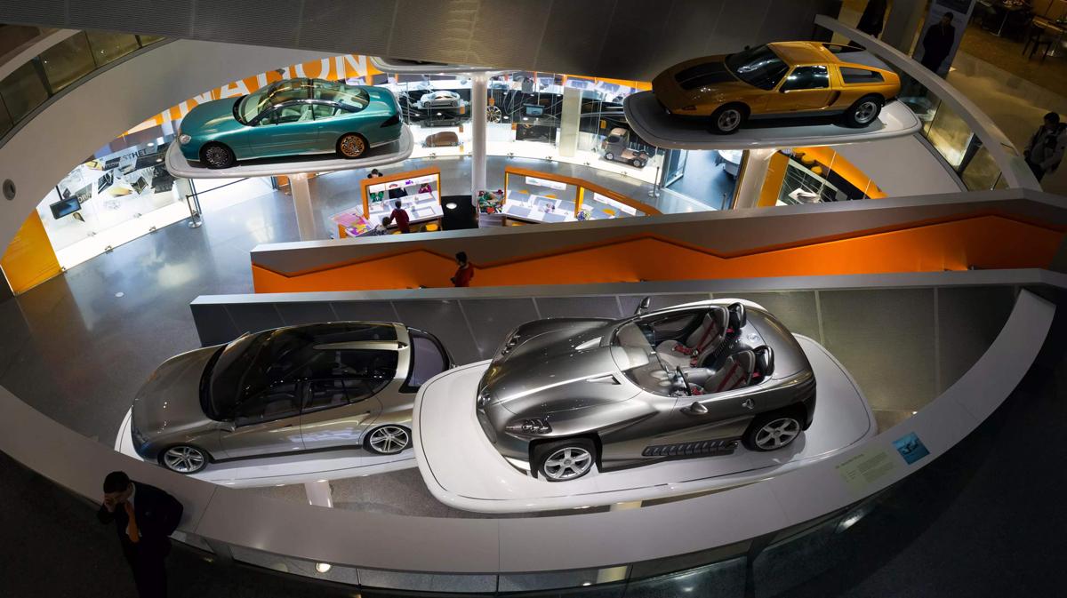 奔驰博物馆 一座穿越世纪的汽车博物馆