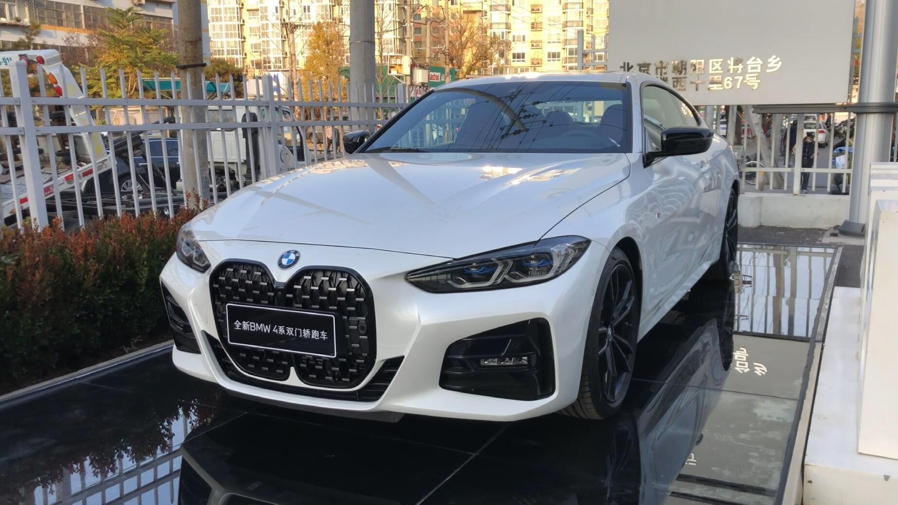到店看车-BMW 4系运动的不只是外观