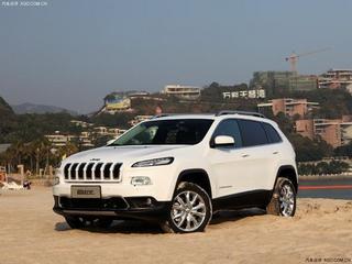 jeep自由光店内现金优惠6万 现车充足高清图片