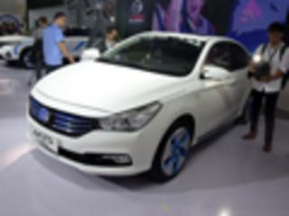 传祺GA3增插电混动轿车 百公里油耗1.5L