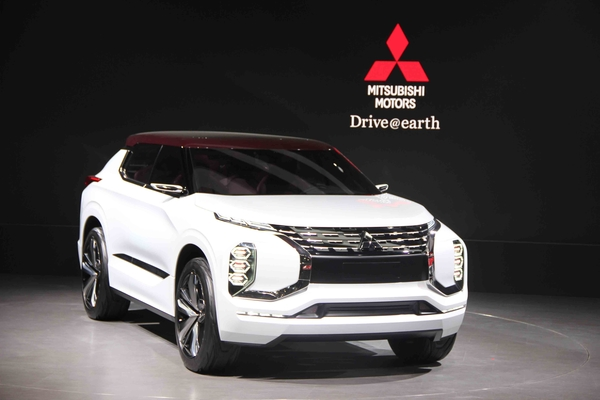 两款三菱汽车SUV概念车中国首秀高清图片