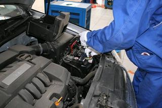 汽车无法正常启动?问题可能出在蓄电池