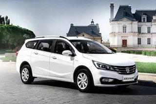 宝骏310W正式上市 三种车型/4.28万起售