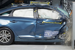 2018款起亚K5碰撞测试解析 乘员保护良好