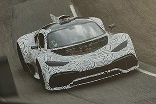 你离F1更近一步 奔驰测AMG Project ONE原型车