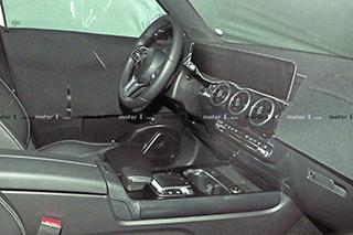 双10.25寸巨屏加身 奔驰全新SUV GLB将明年到来