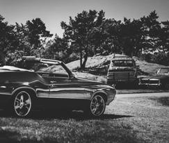 相册   开肌肉车去郊外露营吧!