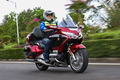 休旅摩托车界公认的王者 试驾新本田金翼GL1800