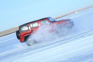 让硬派越野车尽情漂移 海拉尔冰雪试驾BJ40 PLUS