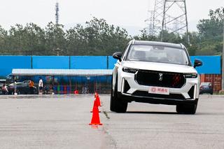 从容淡定的运动型SUV 面试一汽奔腾T99运动版